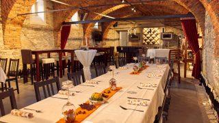Genießen Sie regionale Spezialitäten in unserem Edenhof-Keller in Stubenberg