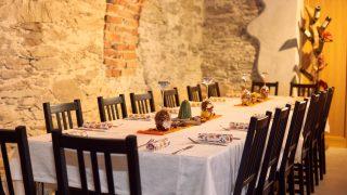 Eat comfortably in our Edenhof-Keller