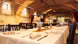 Enjoy regional specialities in our Edenhof-Keller in Stubenberg